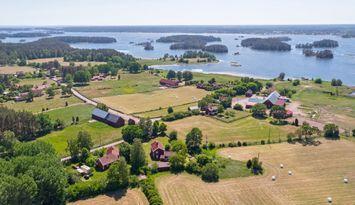 Idyllisk stuga på en ö i Mönsterås skärgård