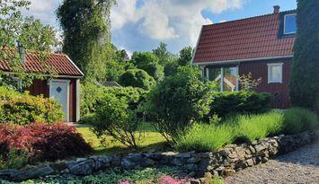 Stor villa 20min från Stockholm, nära bad och skog