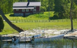 Fishing holiday House. boats with engines for rent