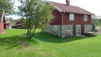 Archipelago homestead Skaftö Röda Huset