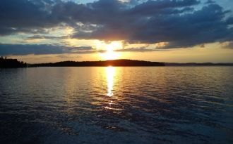 Ruhig, See mit eigenem Badehaus am See Mjörn