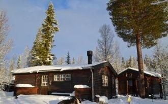 Fjällnära stuga med härbre i Grövelsjön/Björnliden