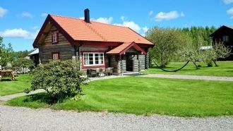 Stay in newly developed timber house in Tiveden