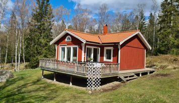 Mysig stuga i Svartedalens naturreservat