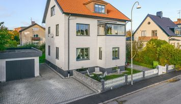 Stor lägenhet i centrala Halmstad