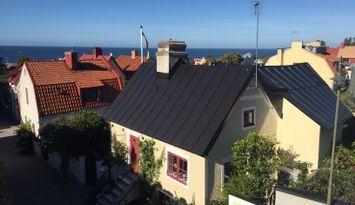 Charmigt hus med havsutsikt i Visby innerstad