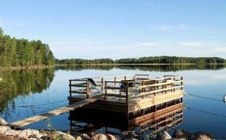 Fritidshus vid sjön Alkvettern