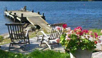 CHARMING WATERFRONT HOUSE , PRIVATE BEACH & BRIDGE