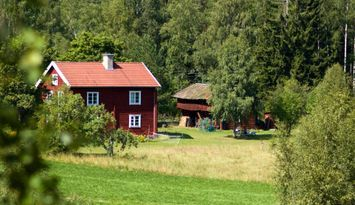 Traditional and spacious swedish summer house
