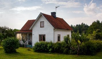 Charming house with annexe in Ljugarn