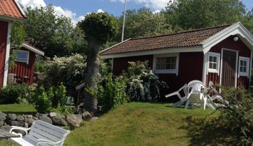 Cozy little cottage in Stromstad, central position