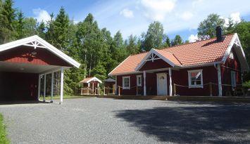 Hütte gebaute 2016 mit Carport