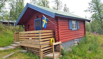 Mindre rustik timmerstuga i Tänndalen