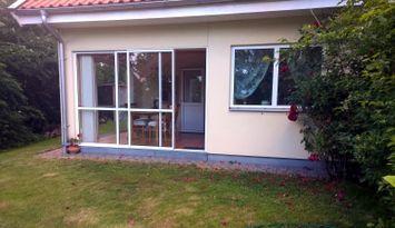 Modernes Gästehaus nahe Steninge Strand