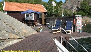 Charming sea house including private deckarea