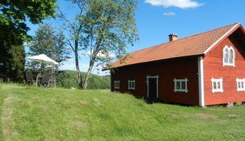 Hus på gård i Södermanland uthyres
