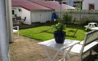 Accommodation for 2 in the centre city of Lysekil.