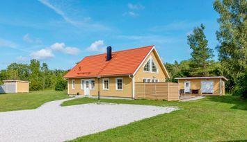 Villa Gnisvard - 1½ floor, new build, 13 beds