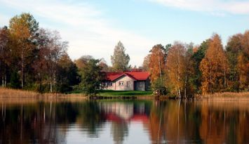 Cottage by Lake Bolmen