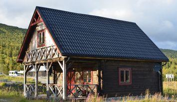 Rymlig stuga mitt i Kittelfjäll