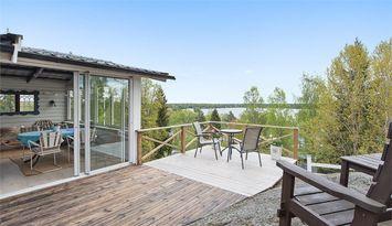 Freizeithaus in Seenähe mit Gästehaus