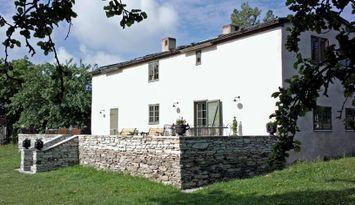 Tomase: 1700-tal kalkstenshus i Sundre, Gotland