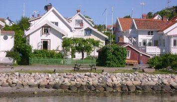 Strandnära stuga i Rågårdsvik, Skaftö, Västkusten