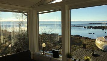 Bredaviks udde med strandtomt vid Kalmarsund