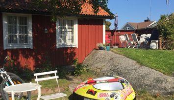 Mysigt sekelskiftstorp beläget mitt i Öregrund