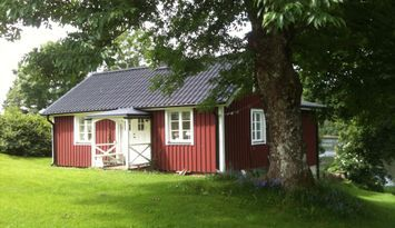 Cottage nearby the lake Fegen