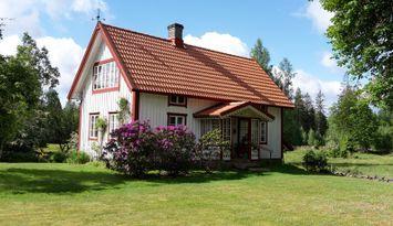 Stuga vid sjön Bolmens nv. strand i Småland