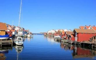 """Gullholmen- Charmig Stuga på ön """"Bohusläns pärla""""."""