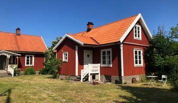 Cozy cabin close to Byxelkrok