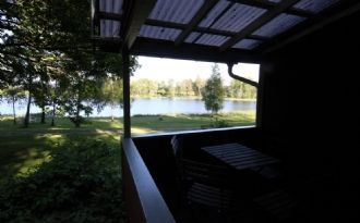 Cottage by the lake and wonderful quiet location