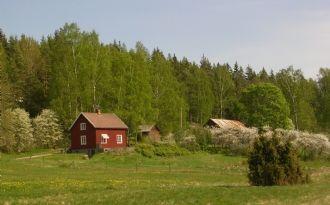 Stuga Näset vid sjön Lelång