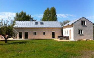 Nybyggda stenhus i Västergarn