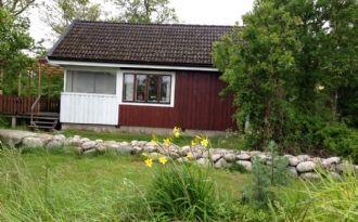 Fräsch stuga på Aspö