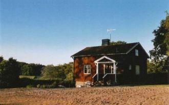 Nyrenoverad stuga i Dalhem