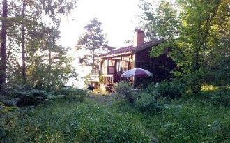 Stuga m sjötomt på Wettersö i Stockholms skärgård