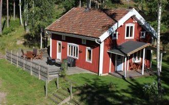 Cottage with sauna, 55km from ALV in Vimmerby