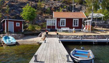 Häuschen am Meer in Dalarö, privater Strand