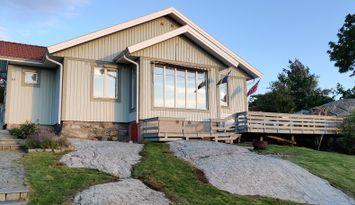 Hus på Asperö, i Göteborgs södra skärgård