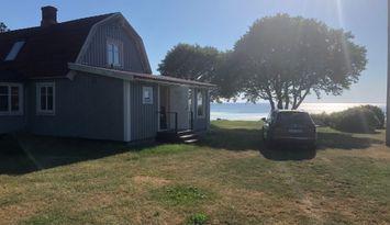 Hus med stor havstomt