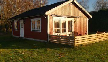 Lyckan 2 House by Lake Åsnen
