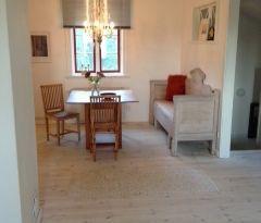 Lägenhet på övervåning i vårt gårdshus på Alnö.