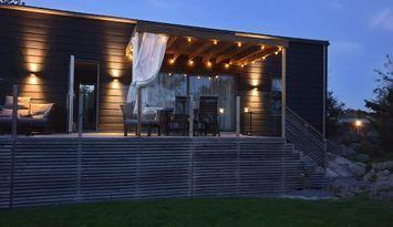 Nybyggt sommarboende på idylliska Knarrholmen