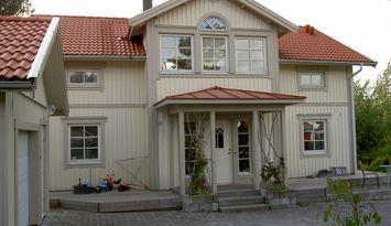 Hus i utkanten av Göteborg nära kusten och skogar