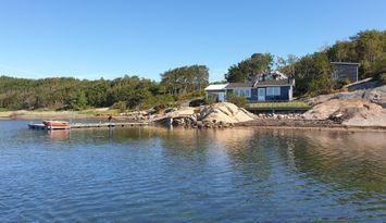 Stuga nära havet i Fjällbacka