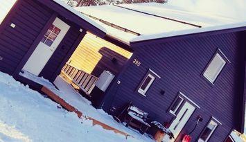 Nybyggd och mysig fjällstuga/cabbine i Kåbdalis