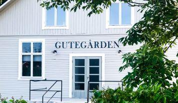 Stort hus ca 20 min från Visby! 12-20 bäddar